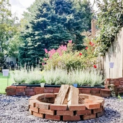 How to Make a Fire Pit With Leftover Bricks